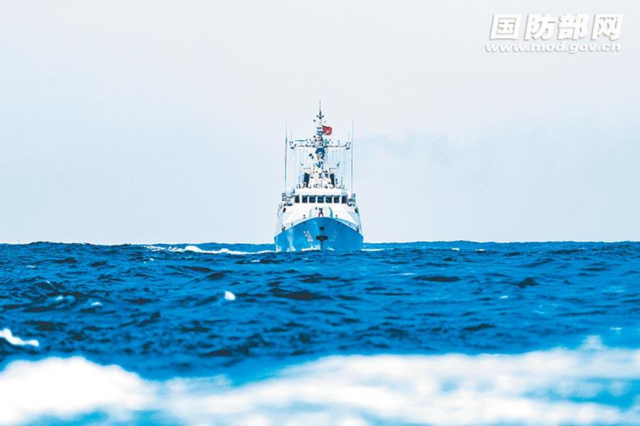 解放軍東部戰區海軍某護衛艦支隊進行訓練,提高實戰能力。(取自中國軍網)