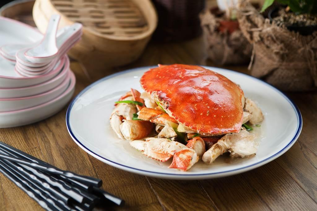 楊登嵙教授透露「秋分」的養生與禁忌,尤其秋天螃蟹吃太多,易對身體產生不良影響。(圖/Shutterstock)