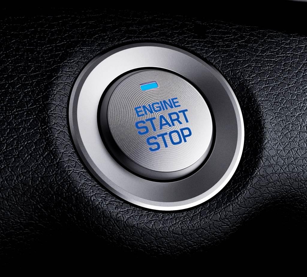 豪華款新增Smart Key與Push Start