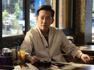 施名帥、朱芷瑩情侶變銀幕夫妻 老婆逼問「多久沒脫我內褲了」