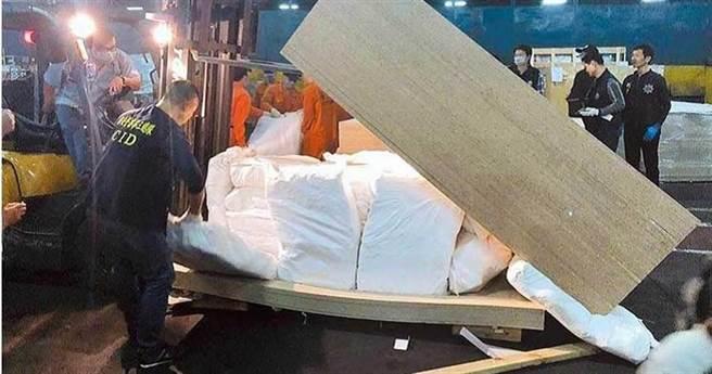 毒枭林夏舟以千万元酬金买通保三员警吴骏卿,共谋1500公斤毒品货柜走私被查获,2人二审仍重判12年,可上诉。(本报资料照/元庭尧高雄传真)