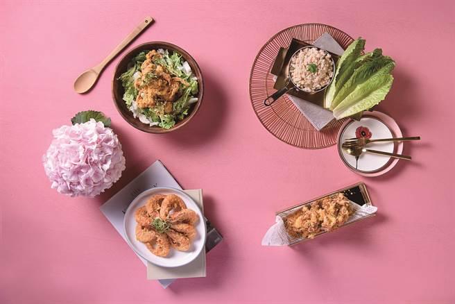 季節食材以肥美秋蟹、蝦鬆、鮮蝦為主角,其中「避風塘軟腳蟹」鹹香帶勁。(飯BAR智作提供)