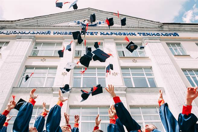 全球前40大學畢業,回台竟找不到工作。(取自網路)