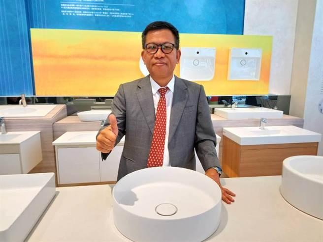 凱撒衛浴董事長蕭俊祥表示,在站穩修繕市場後,未來將全力衝刺新建案市場。(圖/曾麗芳)