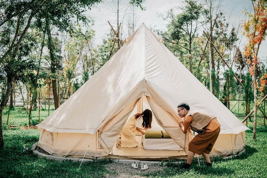 10月1日-10月31日憑誠品點10點抽Lofi Land輕裝露營、HOTEL COZZI和逸飯店、花蓮理想大地特色旅宿。(圖/品牌提供)