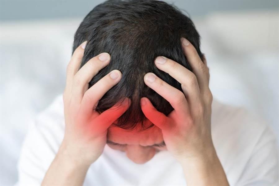腦中風是國人失能與死亡主因,每年約有一萬三千多人死於腦中風。(達志影像/shutterstock)