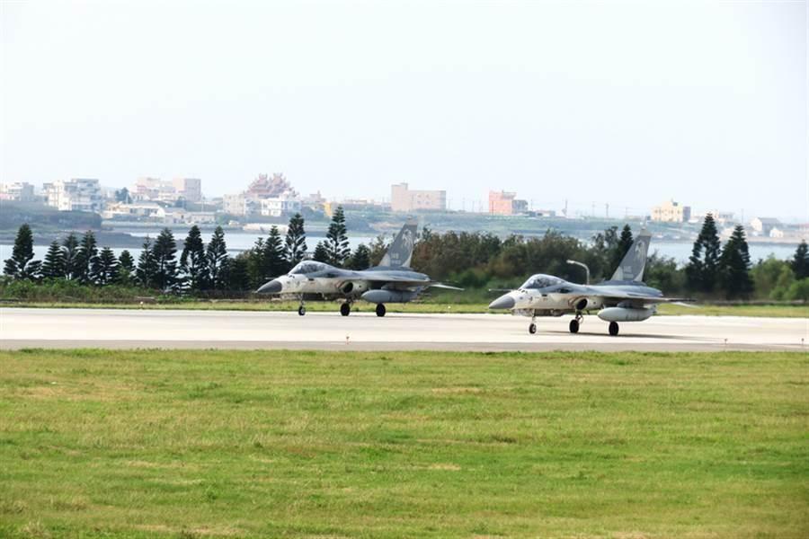 空軍部署IDF經國號戰機,執行台海第一線防空警戒、攔截任務的天駒部隊。(中時資料照)