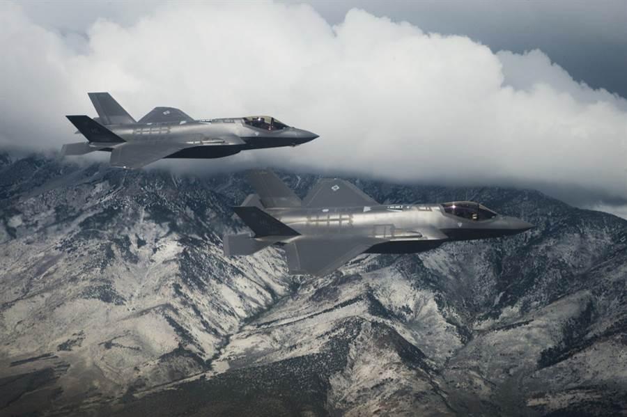 F-35油箱裡的防閃電裝置容易故障,在荷蘭又發現4架惰性氣體生成裝置出問題,因此它的抗雷擊能力可能不足,要避免飛入雷暴區。(圖/洛馬)