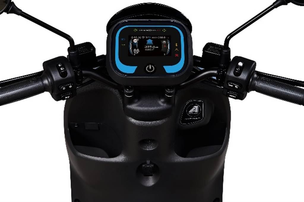 宏佳騰Ai-3 Comfort車系配置CROXERA智慧儀表系統。(宏佳騰提供/黃慧雯台北傳真)