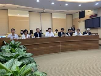 解決國5塞車 林佳龍預告連假首日全額補助