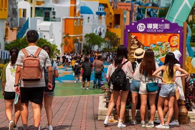 中秋國慶連假,義大遊樂世界第二人只要10元銅板價。圖/義大提供