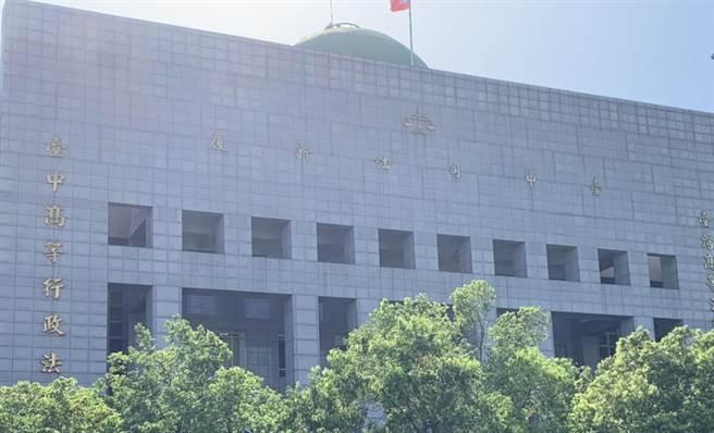 林姓男子去年赴香港搶奪名錶,一審被判10年10月,他上訴二審,台中高分院審理後駁回上訴。(林欣儀攝)
