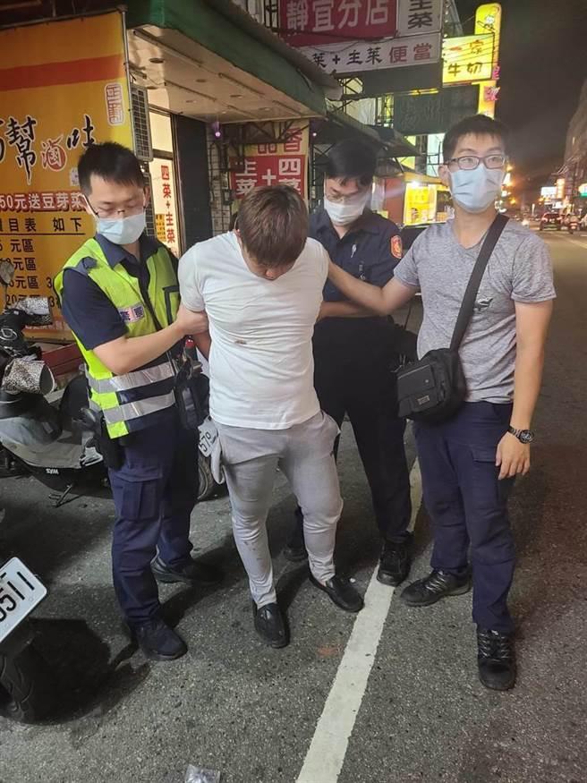 烏日警方在案發後6小時內迅速逮獲黃姓嫌犯。(民眾提供/林欣儀台中傳真)