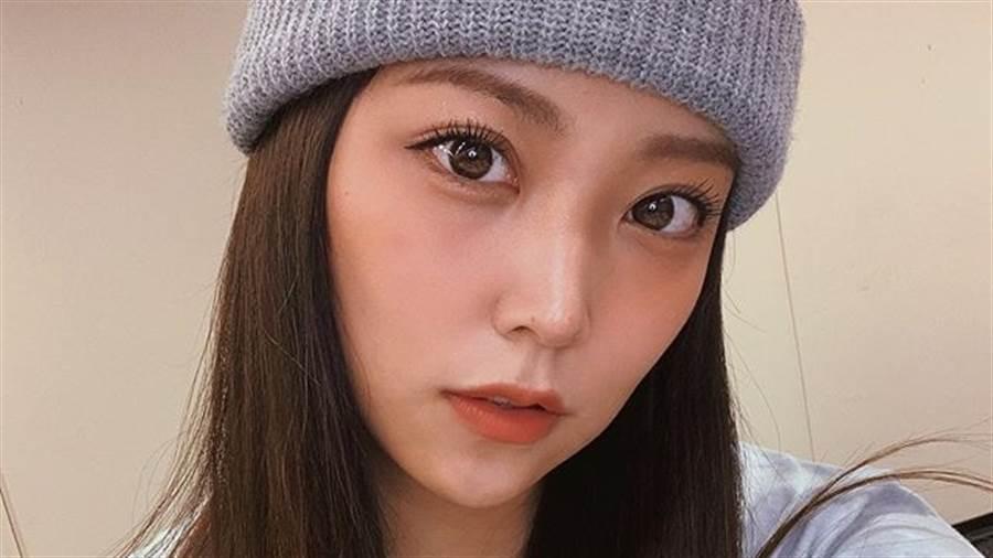 22歲女偶像白間美瑠解放「棉花糖奶」爆乳頂到喉嚨引暴動(圖/IG@shiro36run)
