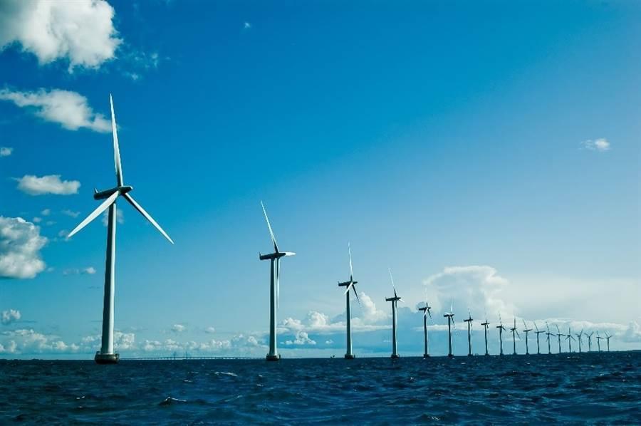 謝金河認為,新能源可能是台灣除了半導體外,未來至少可能奔馳30年的新興產業。(示意圖/達志影像/shutterstock)