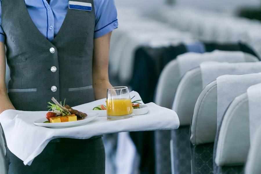 在飛機上如何稱呼空姐?正式叫法曝光:優雅又不失禮。(示意圖/達志影像)