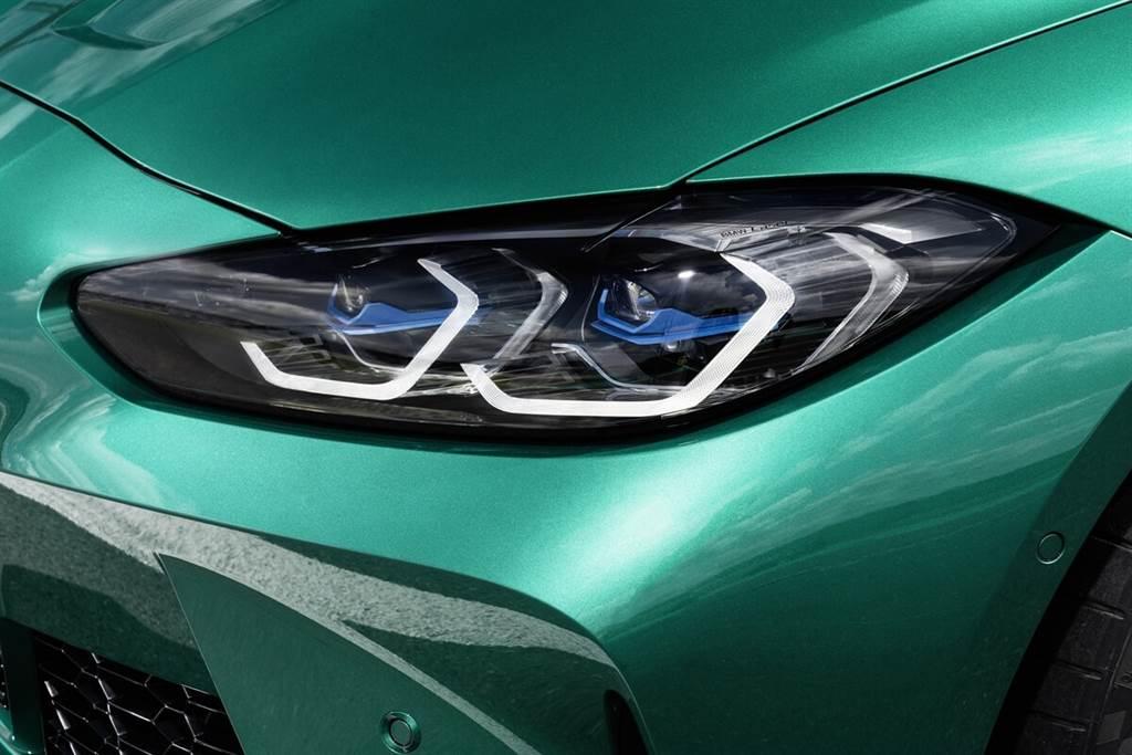 標準配備全LED頭燈,以及用於日間行車的U形光纖光導。並可選配BMW Laserlight自適應LED大燈,包括BMW選擇性光束的無眩光遠光燈輔助裝置,以及自適應彎道轉向照明功能,並具有針對城市和高速公路行駛而優化的可變道路照明:時速超過60 km/h時,BMW Laserlight可以將遠光範圍增加到最大550米。