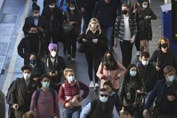 疫情急遽升高 英衛生部長:每日萬人感染新冠