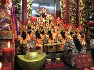 雞籠城隍文化祭擲杯定案夜巡取消 推Q版城隍國旗口罩護民眾