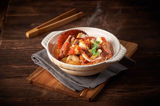 搶攻食欲之秋商機,台北福華大飯店推出「品蟳宴」。(福華提供)