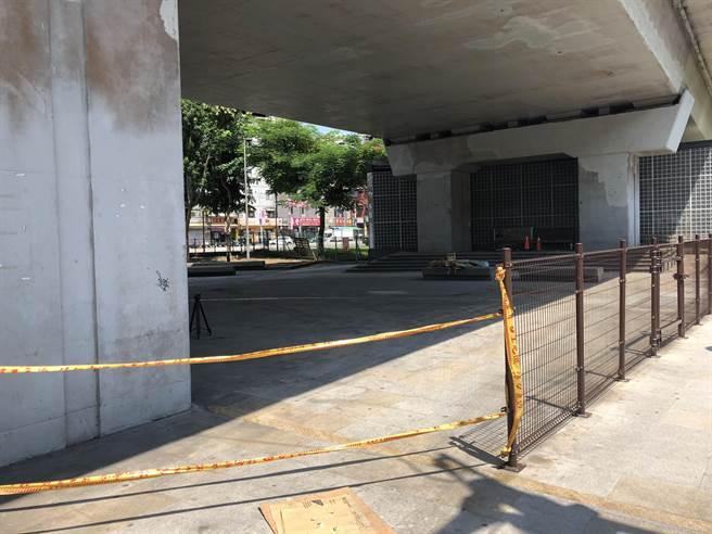 汐止站前小廣場長期閒置荒廢,將活化打造成共融式小公園。(議員張錦豪提供/許家寧新北傳真)