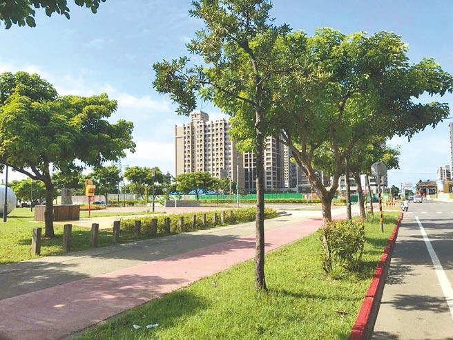 桃園市八德擴大都市計畫重劃區在2010年完成,保留2.55公頃提供中央大學使用,但10年過去該地還是中大公園。(賴佑維攝)