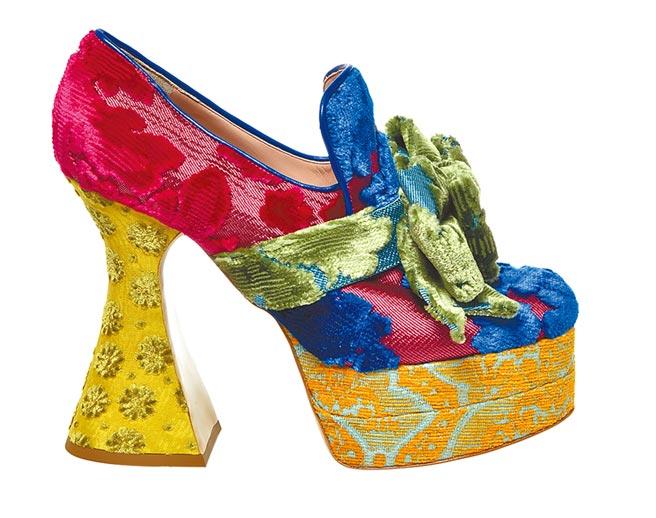 Moschino多色拼接高跟鞋,價格未定。(Bluebell提供)
