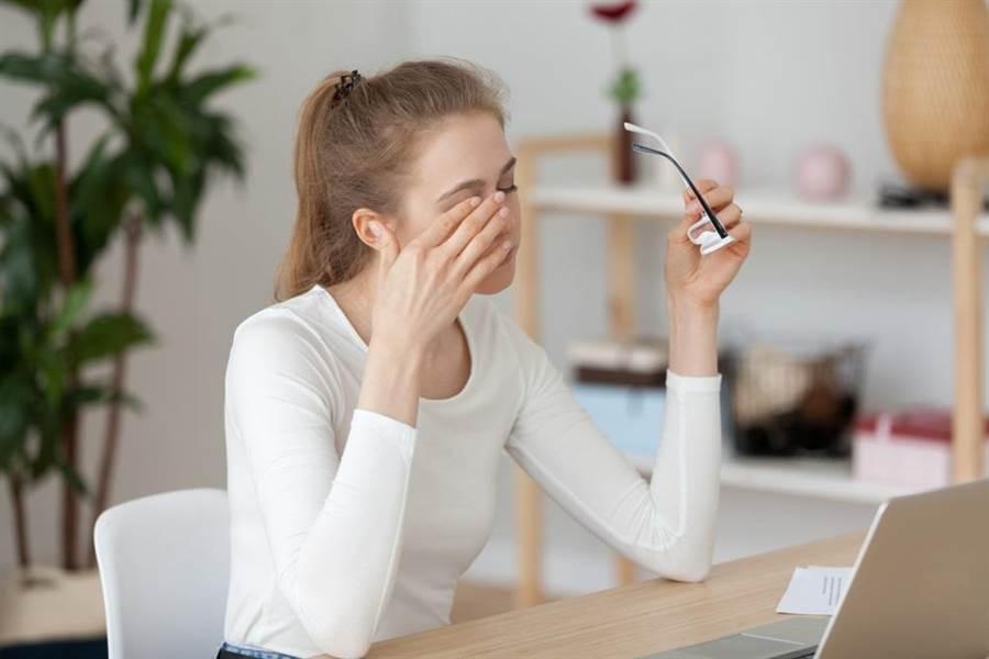 乾眼症是種多因子引起的眼表發炎疾病,目前還沒有任何1種方法可以直接治癒。(達志影像/shutterstock)