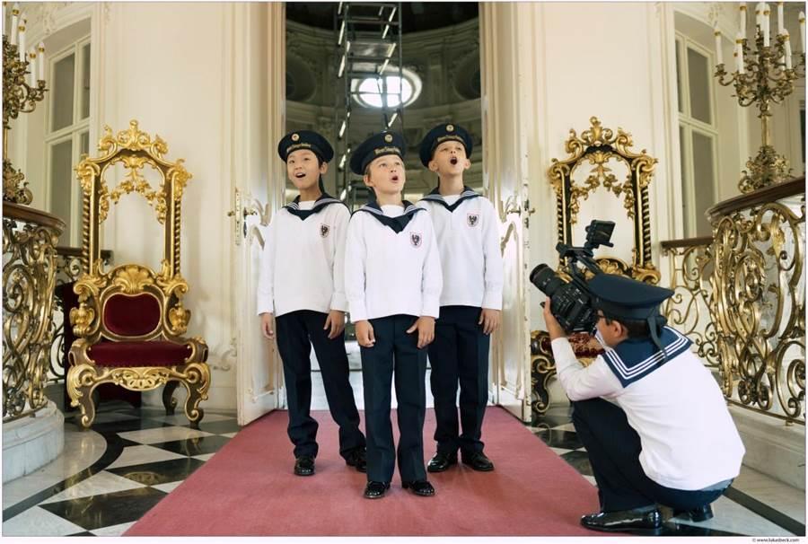 受疫情影響,維也納少年合唱團舉辦創團522年來的首場線上音樂會,透過演唱和全球觀眾交流。(傳大藝術提供)