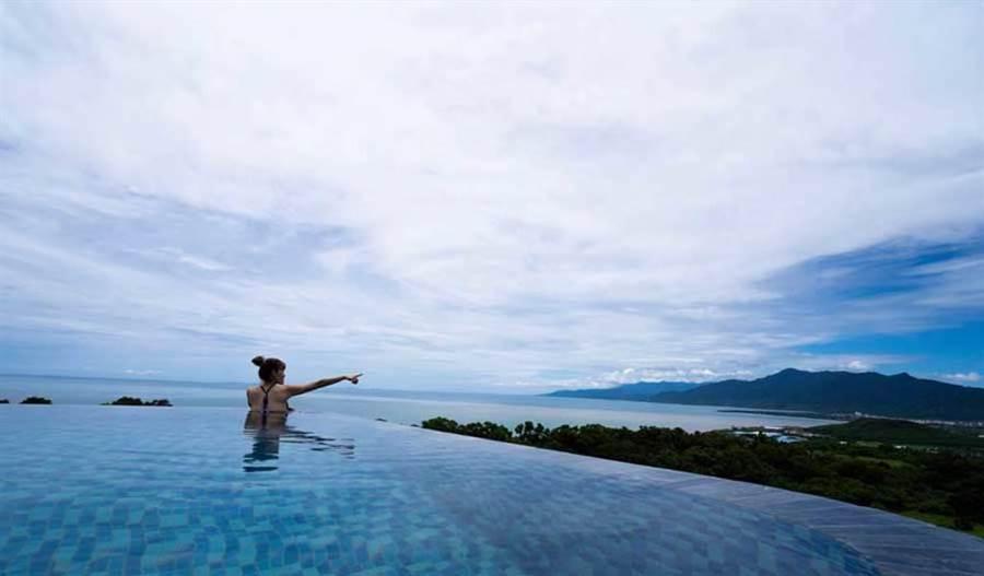 ◆ 360度無邊際水池,可以看山、看海、看夕陽、看星星 (圖片來源:Wandering Walls 灣臥 粉絲團)