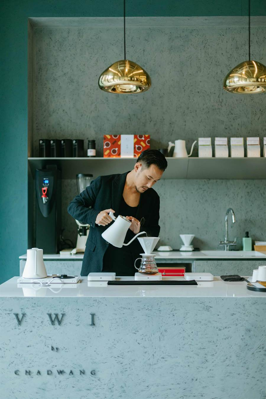 圖一:台中的明日選品MOT SELECT,邀世界冠軍咖啡師王策的品牌VWI by CHADWANG一同進駐台中草悟道。(明日選品提供)