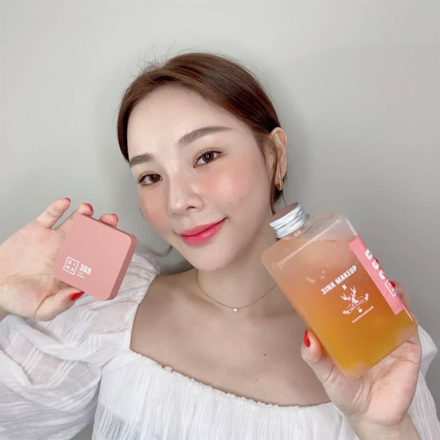 「#369莓果西柚塔」腮紅和「#369西柚金芒泡泡」飲料特調。(圖/邱映慈攝影)