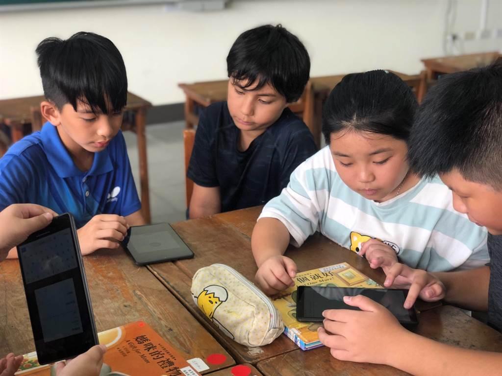 Ford藉由『對抗新冠疫情募款計畫』使TFT能夠透過平板電腦的採購,在抗疫的路上,無縫接軌地幫助孩子們遠距學習。
