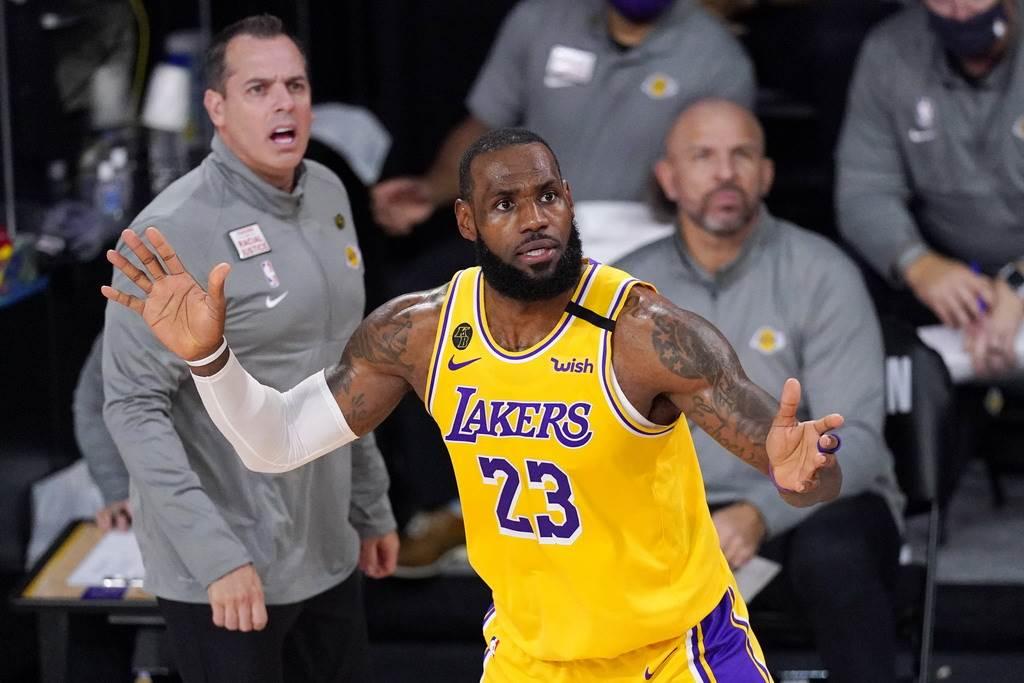 為了能讓詹姆斯打東京奧運,美國籃協考慮跟NBA討論下季停賽可能性。(美聯社)