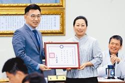 國民黨主席擬延選 朱勤訪基層