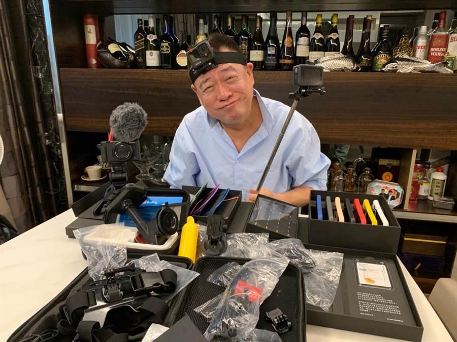 孫德榮近期化身Youtuber,忙著研究拍攝工具。(修毅提供)