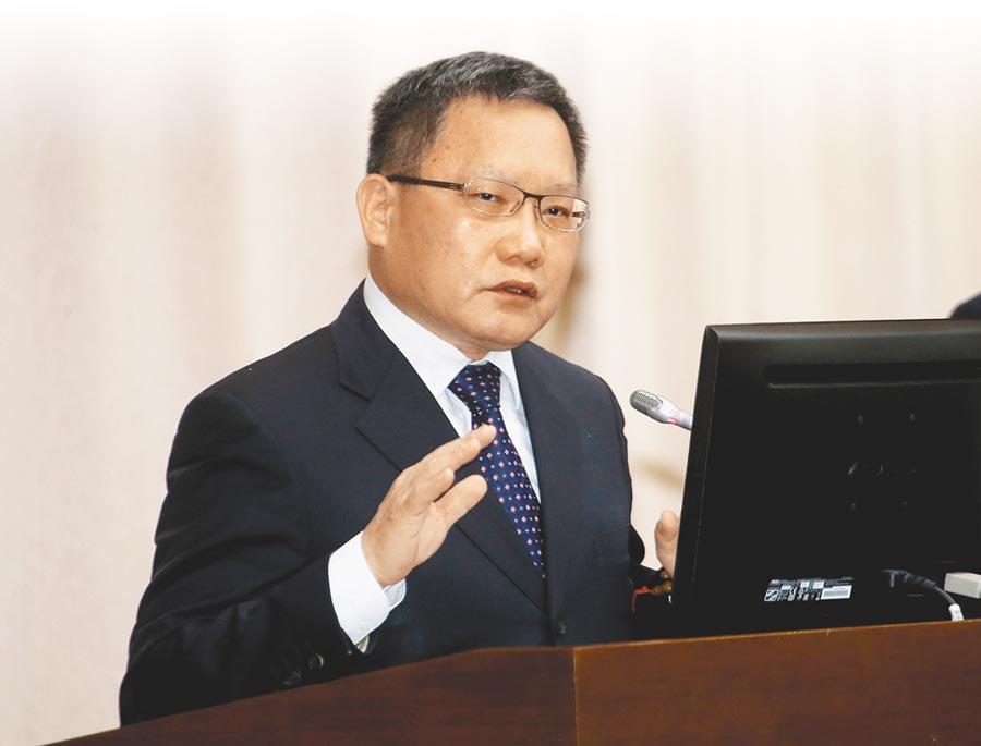 財政部長蘇建榮24日到立法院財委會進行業務報告。(姚志平攝)