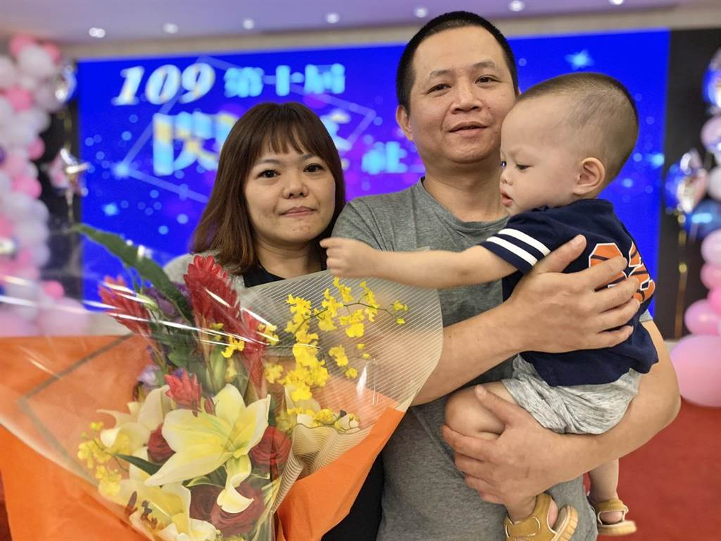 康雅慧照顧無數寄養孩童,她最感謝家人的陪伴與支持。(許哲瑗攝)