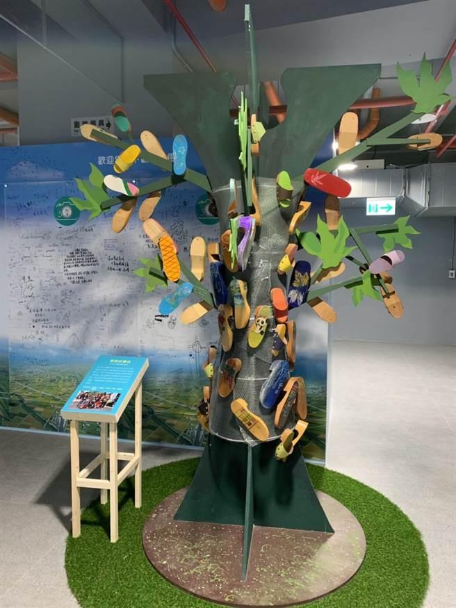 以蘇澳白米社區議題為發想的木屐樹「翠綠的嚮往」,非常馬卡龍。(華梵大學提供)