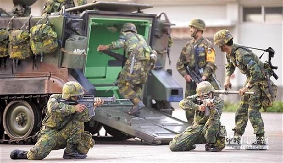 圖為國軍訓練狀況。(本報系資料照)
