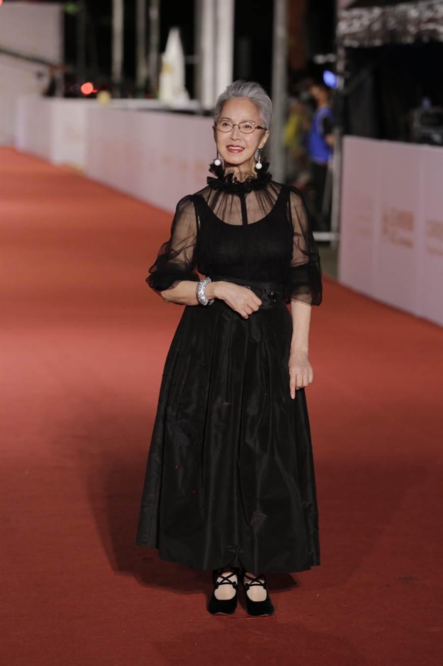 李璇的黑禮服十分時髦美麗。(圖/廖映翔攝)