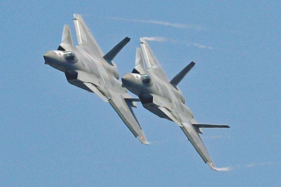 傳中共第五代最先進戰機殲-20進駐離台僅500公里的衢州機場,當地起飛到台灣上空約15分鐘。(美聯社)