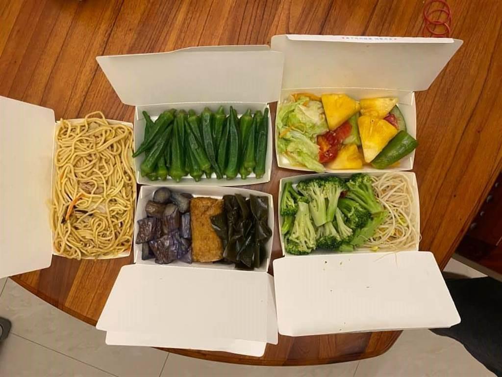 網友分享130元超大氣素食餐,掀起熱烈討論。(翻攝爆廢公社)