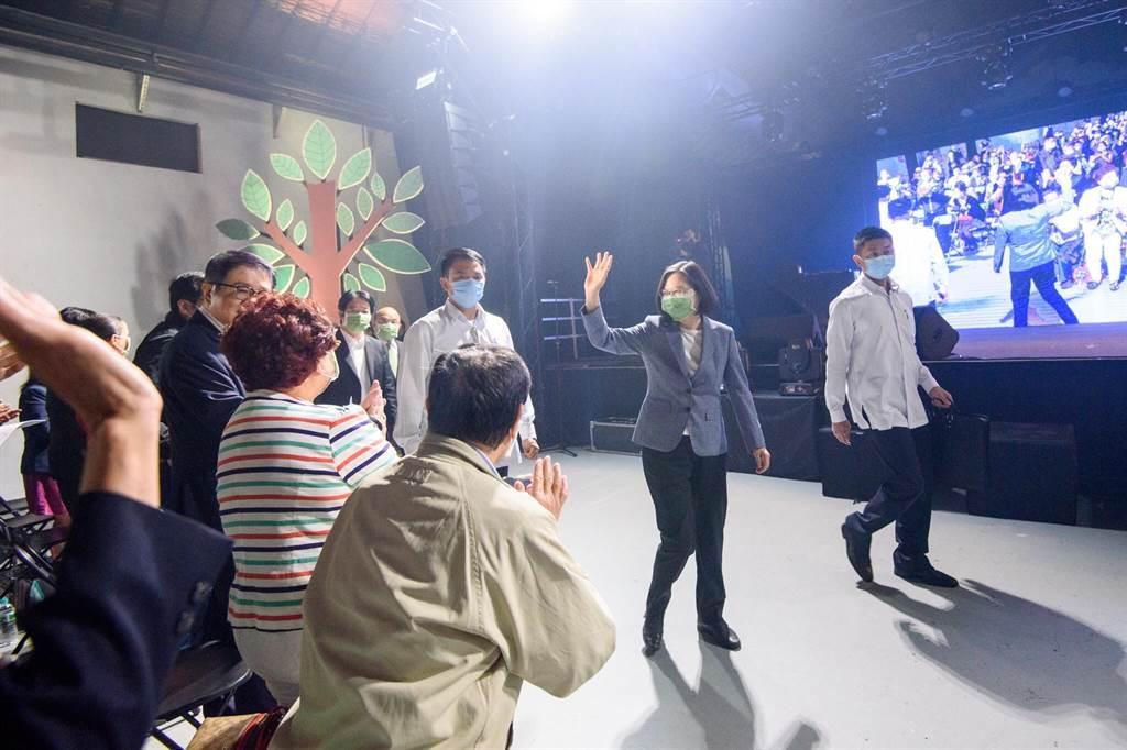 民進黨今天舉辦「民主開唱」音樂會。(民進黨提供)