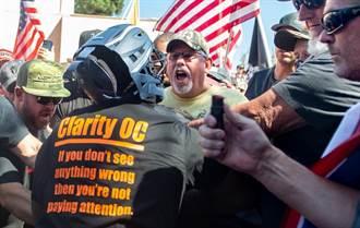 示威狹路相逢爆衝突 BLM支持者駕車衝撞川普粉絲數人掛彩