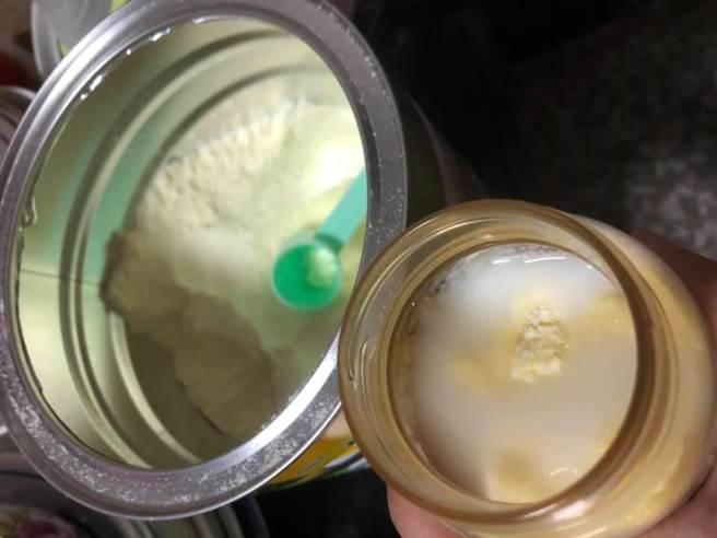 網友分享泡奶經驗,最怕專心時被干擾。(翻攝爆廢公社)