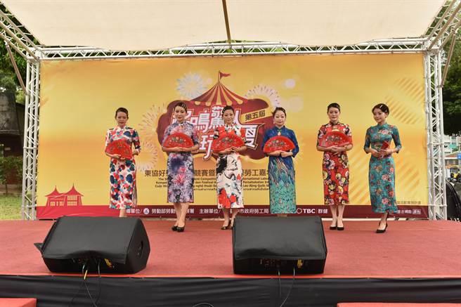 台中市勞工局27日在台中公園舉辦「109年度東協好聲音才藝競賽暨友善國際勞工嘉年華活動」。(盧金足攝)