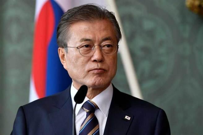 南韓總統文在寅譴責,稱此事「令人震驚」及「殘暴」,並且要求北韓道歉。(圖/達志/路透社)