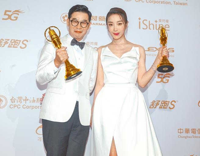 马力欧(左)获金钟男配角奖直嚷意外,蔡淑臻夺女配角奖,感谢给她机会的每个人。