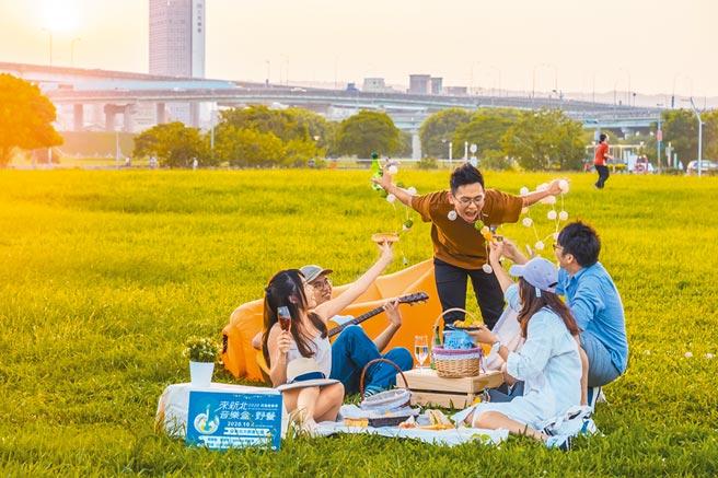 10月4日將在三重大都會公園舉辦「來新北音樂盒野餐」活動,邀請歌手蘇慧倫、戴愛玲等輪番獻唱。(新北市觀光局提供/許哲瑗新北傳真)